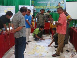 Para peserta melakukan kerja kelompok dalam membuat logframe per keuskupan (Foto: RD. Handry Lanus).